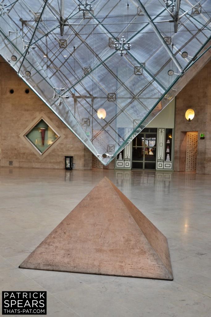 GLASS PYRAMIDS II